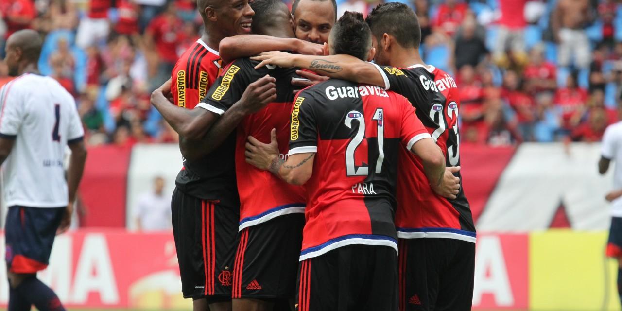 Flamengo vence novamente sem empolgar a Nação