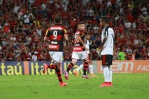 Flamengo joga mal e empata com o Sport em casa