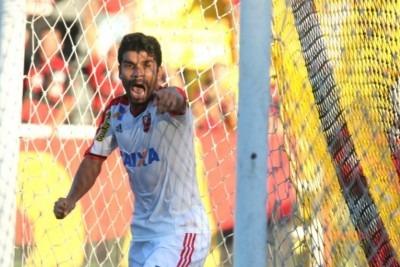 Agora vamos encher o Maraca! Flamengo vence fora de casa e com um a menos