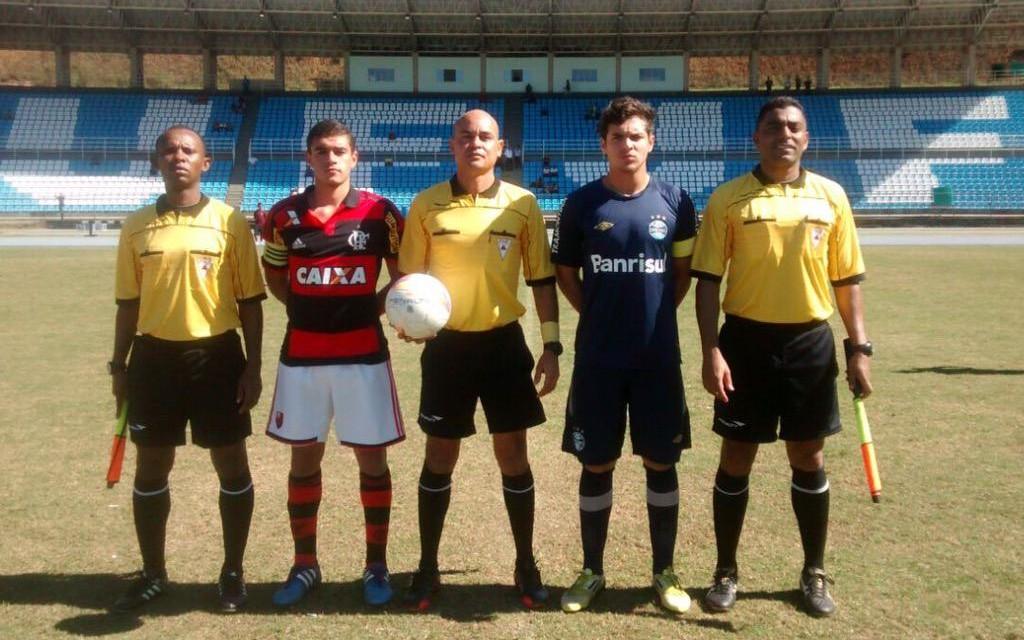 Flamengo bate o Grêmio e chega às quartas-de-final da Taça BH de futebol sub17
