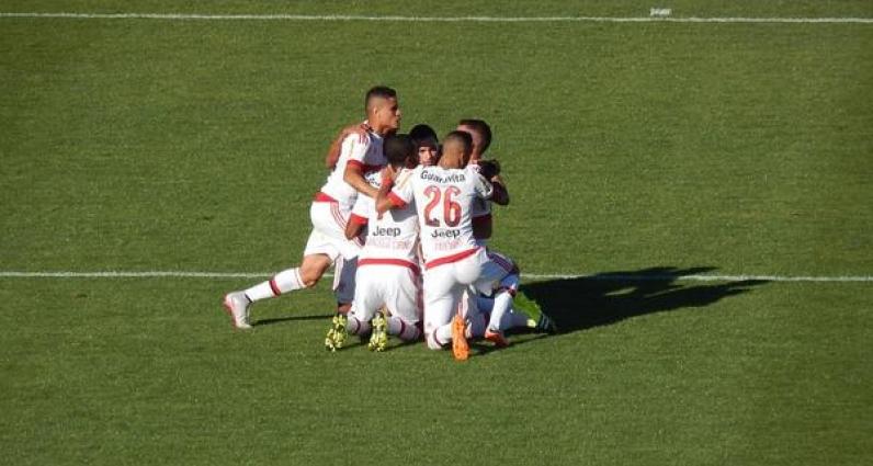 ATUAÇÕES: César vai bem na zaga e no ataque, Paulinho marca gol antológico; NOTAS de Chapecoense 1 x 3 Flamengo