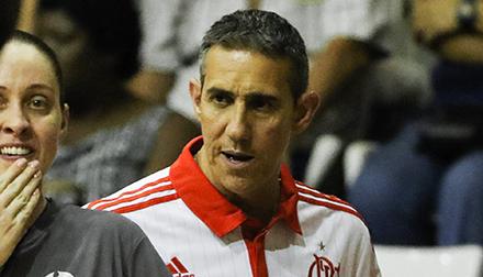 Após vitória contra Bauru, Neto destaca ritmo intenso do time