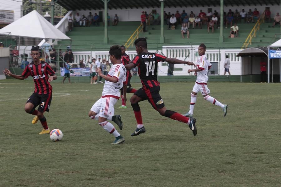 Gol no último minuto classifica o Flamengo na Copa Brasil Infantil