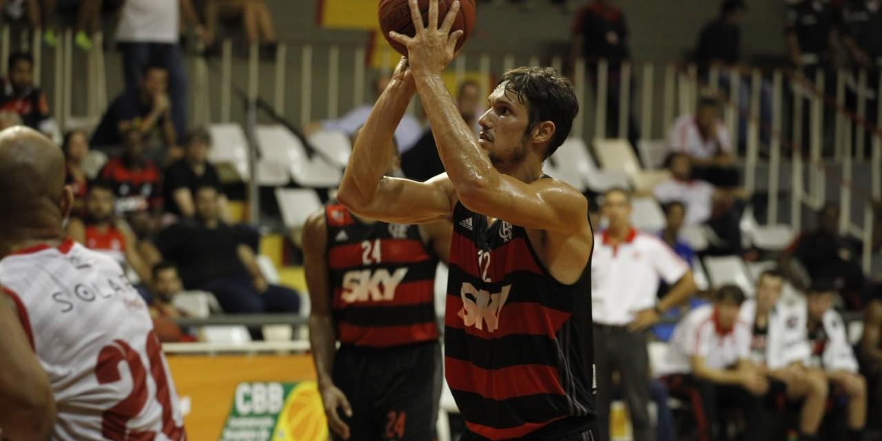 Flamengo encara o Vitória antes de voltar para a LDA