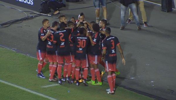 Atuações: Paulo Victor evita o empate e Juan continua bem; Cuéllar tem boa estreia