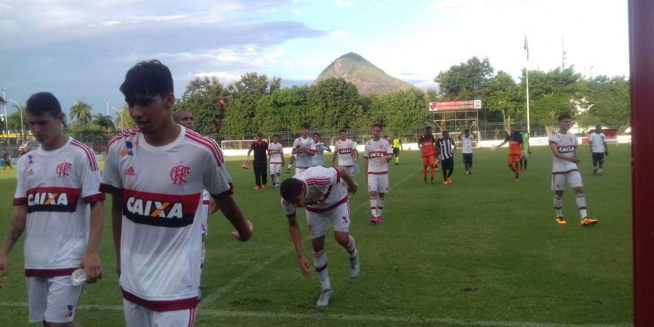 Lucas Paquetá e Fabrício comandam goleada do Flamengo na Gávea, pelo Carioca Sub-20
