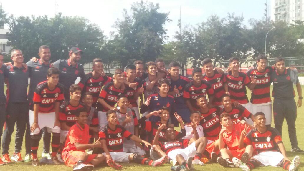 Sub-15 vence o Nova Iguaçu nos pênaltis e vai à final da Taça GB