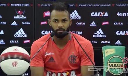 Por que não contratar Fernandinho?