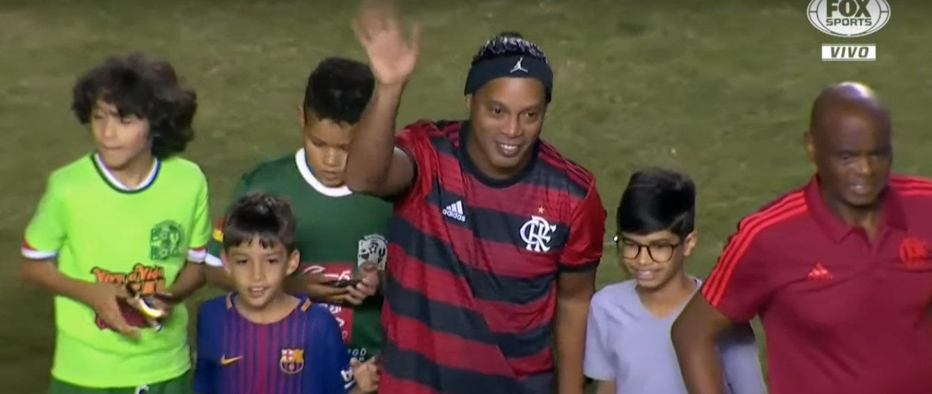 ronaldinho copa legends