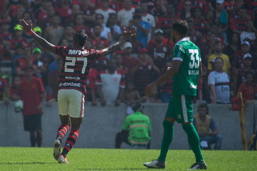 Bruno Henrique comemora seu gol, o segundo da vitória contra o Goiás. Foto:Alexandre Vidal/Flamengo