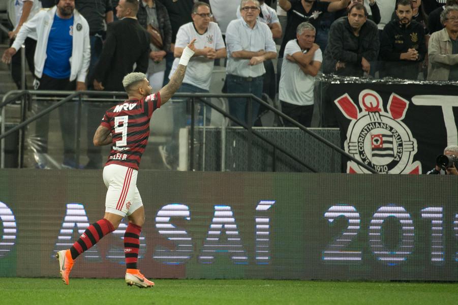 Gabigol empata no fim e Flamengo e Corinthians ficam no 1 a 1