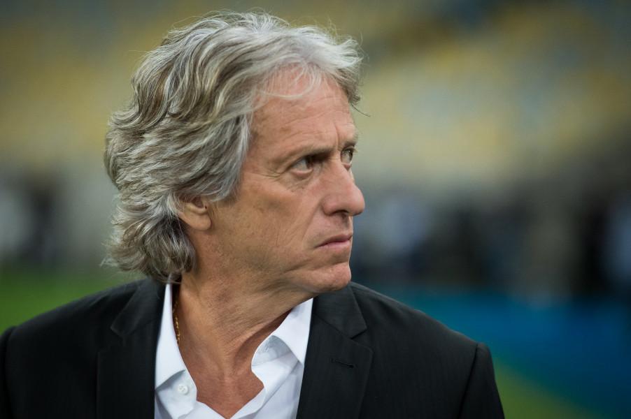 Com quatro meses, Jesus pode se tornar um dos técnicos com mais rodadas na liderança do Brasileiro
