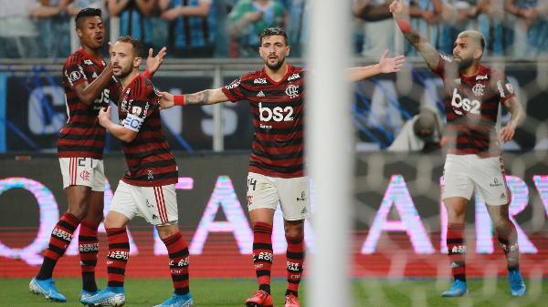 Fla é o único clube que não teve pênalti dado pelo VAR a seu favor; rubro-negro é o que mais sofreu com o vídeo