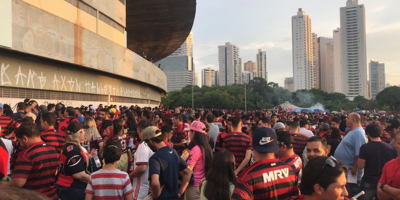 Goiás lucra quase R$ 3 milhões com a torcida do Flamengo
