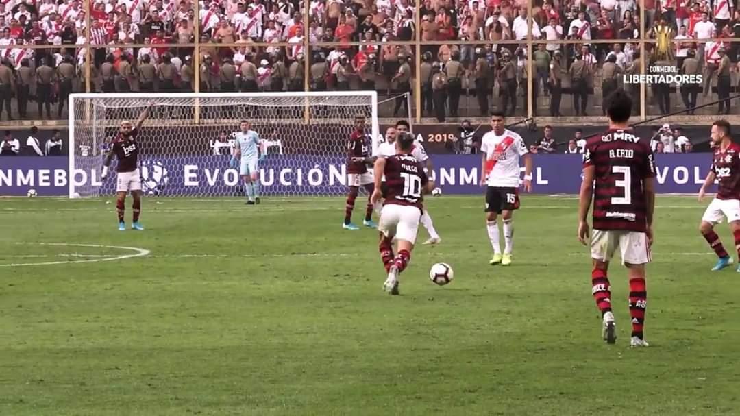 Flamengo lidera ranking de audiência das reprises na TV
