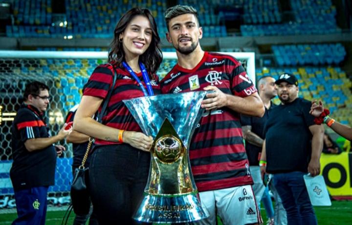 Na reta final da temporada, Arrascaeta ultrapassa Everton Ribeiro e vira líder em assistências no Fla