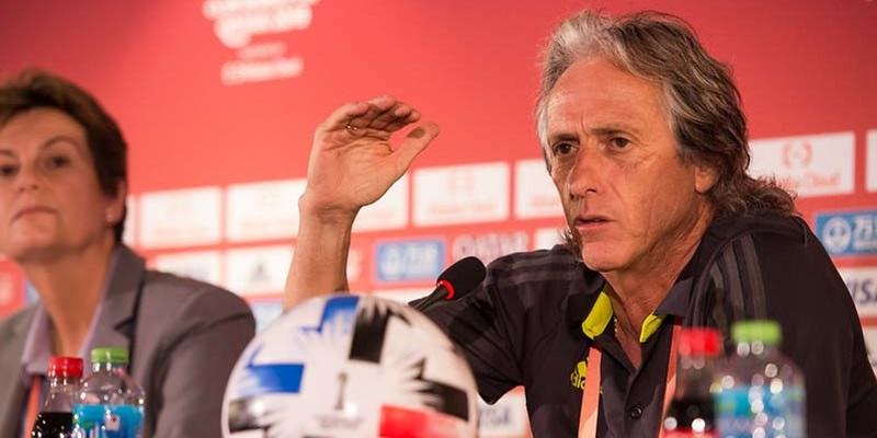 """""""Tem, o Flamengo"""", diz JJ ao ser perguntado sobre interesse de clubes em seu trabalho"""