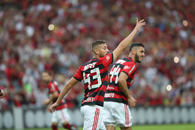 Flamengo recebe hoje R$ 15,8 mi por venda de Léo Duarte