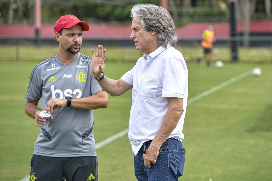 Spindel:  Carioca é prioridade e terá time principal 'assim que possível'