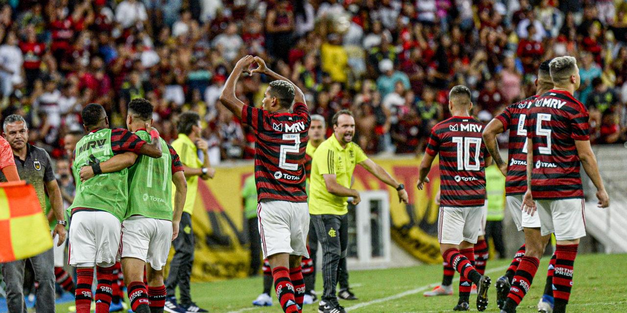 Berrío é opção, mas torcida do Flamengo aposta em João Lucas no lugar de Rafinha