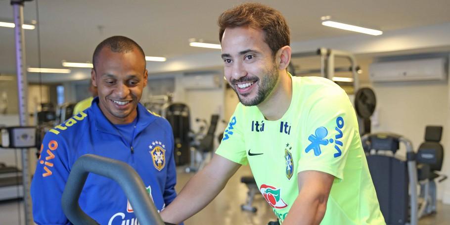 Tite convoca Everton Ribeiro pela primeira vez; Gabigol e Bruno Henrique também são chamados