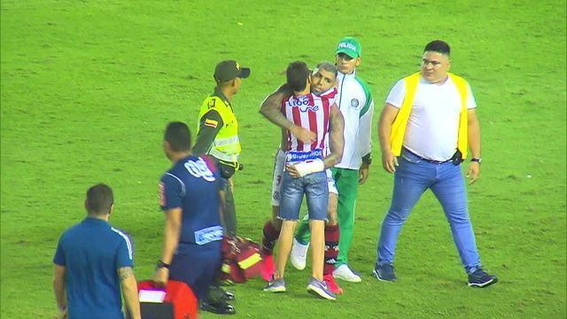 Raramente encontramos atualmente no futebol sul-americano ídolos como Gabigol. E o jogador parece conhecer a totalmente dimensão desse título gabigol torcedor junior barranquilla