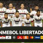 jogadores do flamengo posam para foto oficial da Libertadores