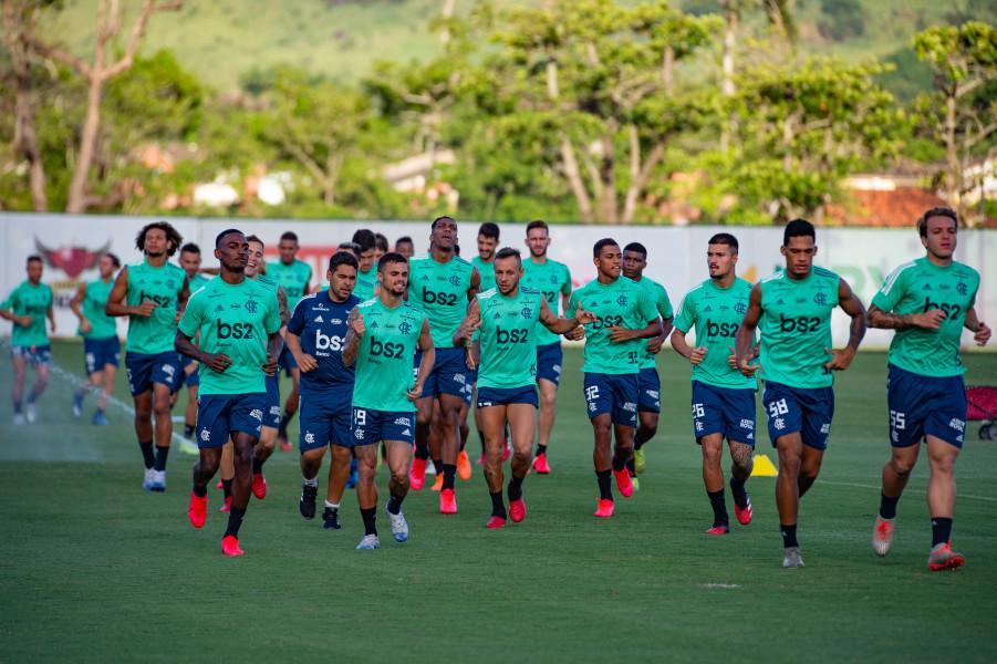 Retorno do futebol na pandemia gera polêmicas para o Flamengo