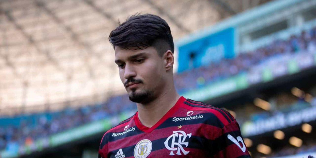 Léo Pereira se firma na zaga e Thuler é alvo do Athletico