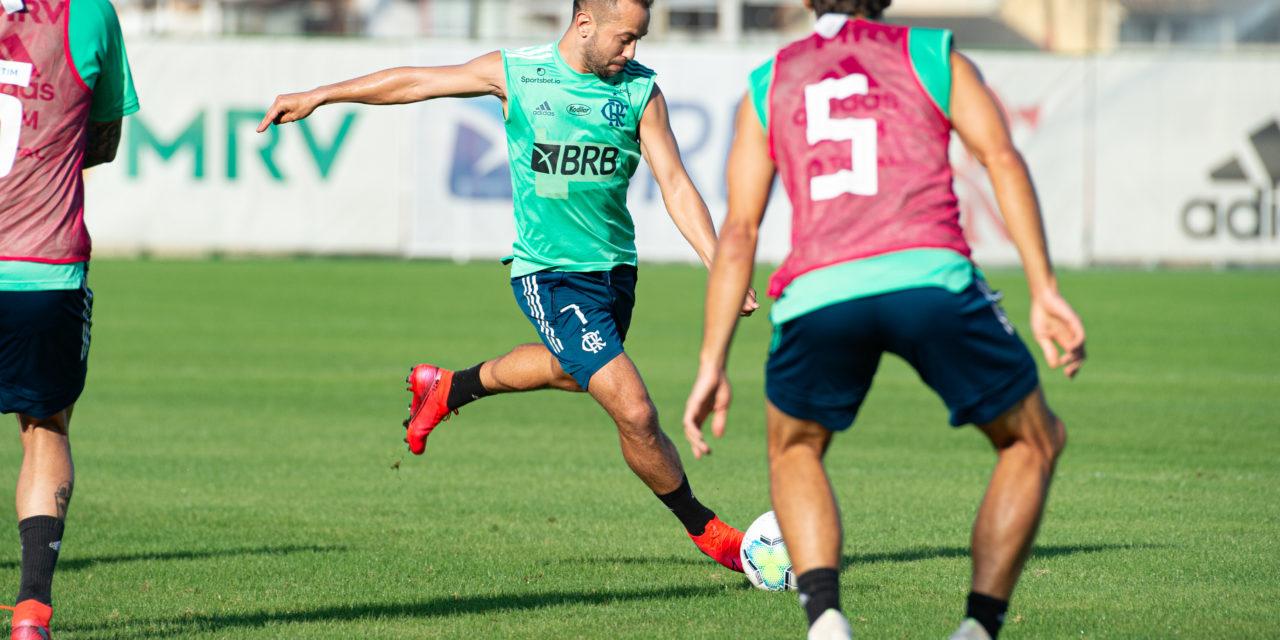 Ainda sem novo técnico, Flamengo anuncia jogo-treino no Ninho do Urubu