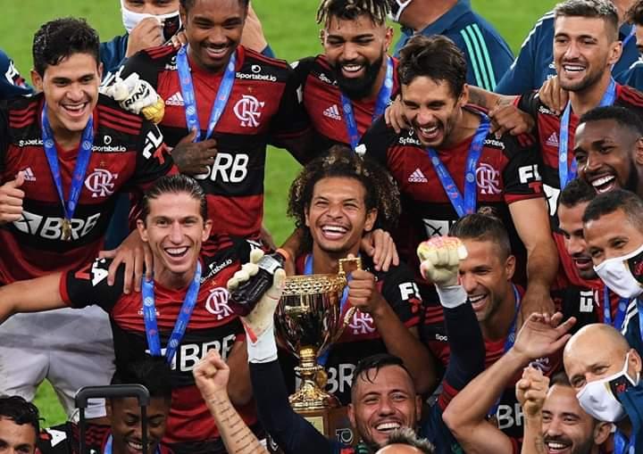 Flamengo é bicampeão: jogadores festejam e provocam nas redes sociais