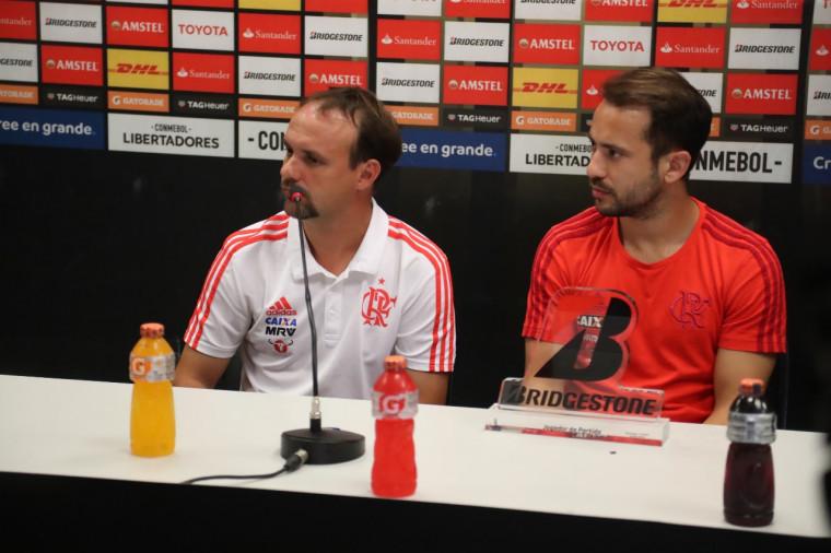 Flamengo quer incluir Maurício de Souza na comissão de Torrent