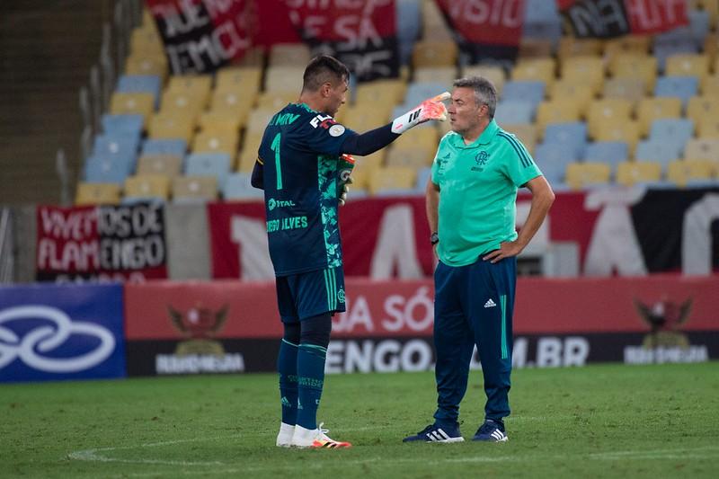 'Renato pede paciência porque o Flamengo não joga nada', diz jornalista