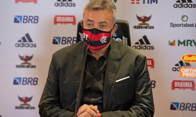 Classificado na Libertadores, Domènec foca em buscar liderança no Brasileirão: 'Importante agora é vencer o Inter'