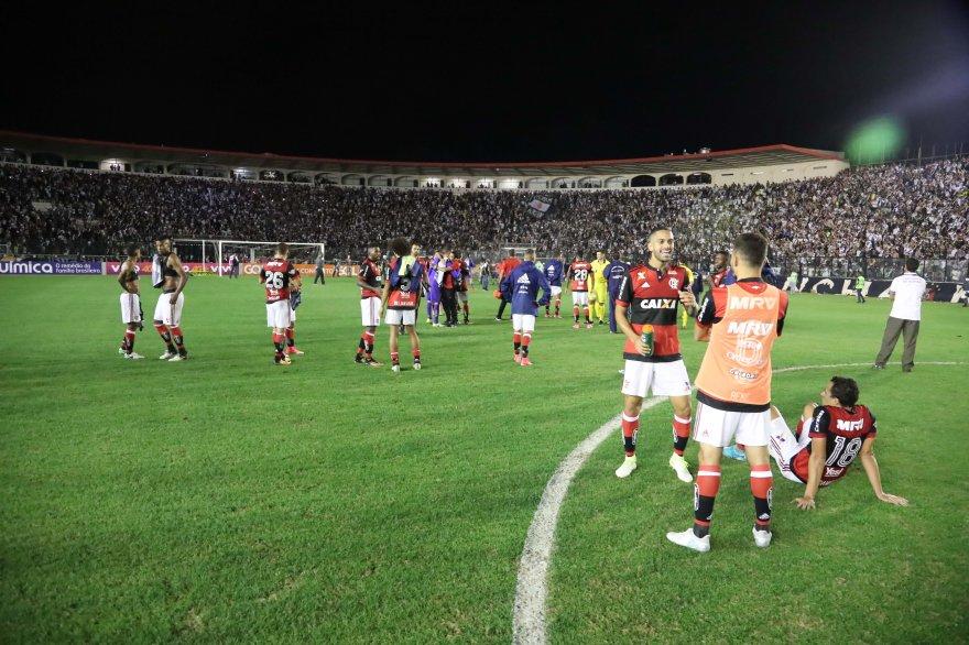 Exclusivo Vasco X Flamengo Sera A Principio Em Sao Januario
