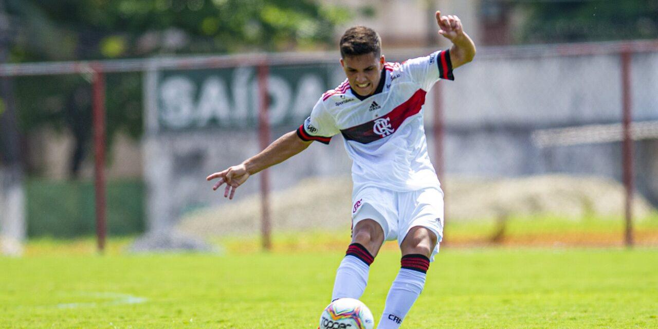 Yuri de Oliveira faz dois gols, mas Flamengo só empata com a Portuguesa
