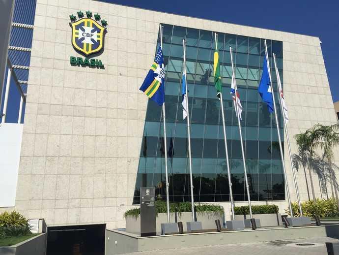 Reunião sobre público nos estádios abre guerra de versões entre Flamengo e CBF