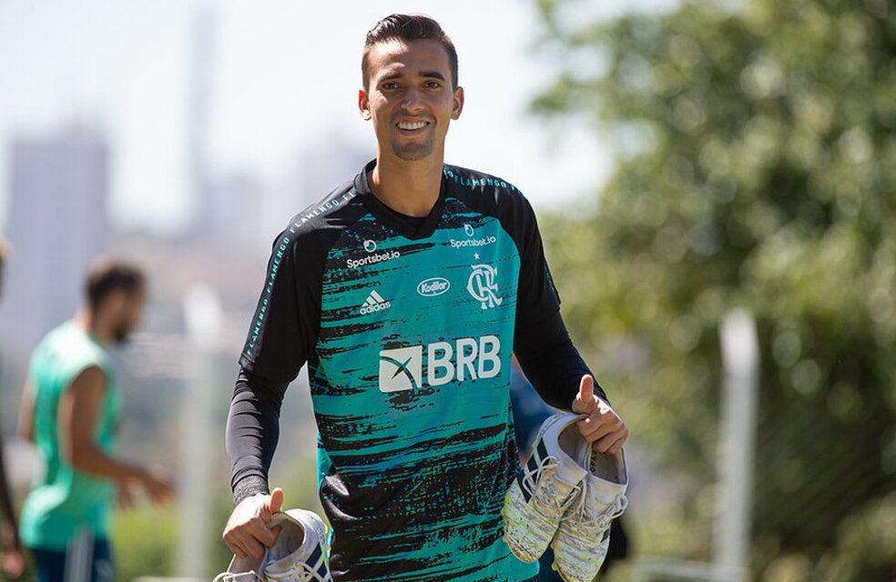 César está curado da Covid e volta aos treinos do Flamengo focado na Libertadores