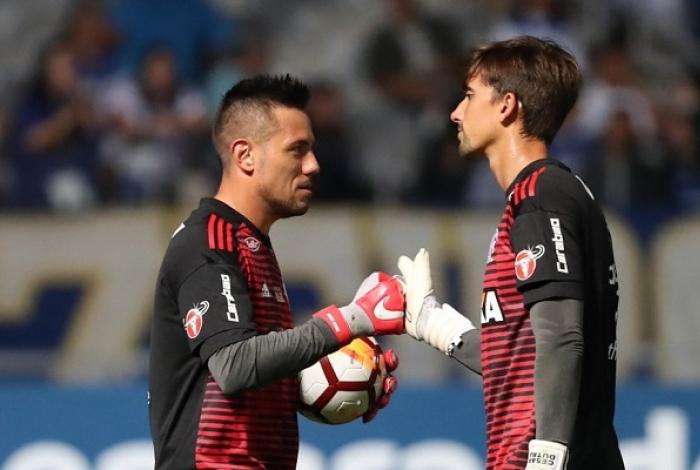 Diego Alves sente o joelho e não deve enfrentar o Bragantino