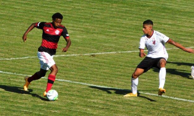 Sub-17: Flamengo perde para o Athletico-PR em jogo cheio de gols