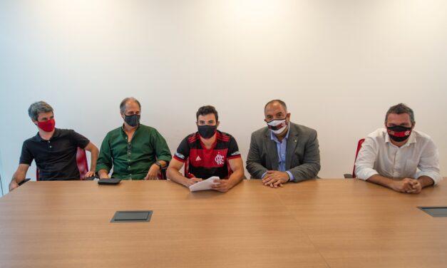 Flamengo renova com promessa da base até 2025