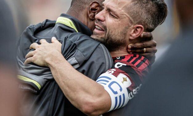 Capitão do Flamengo, Diego chorou no vestiário após jogo contra o Goiás, no Brasileirão de 2019