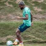 Gabigol treinando no Ninho do Urubu