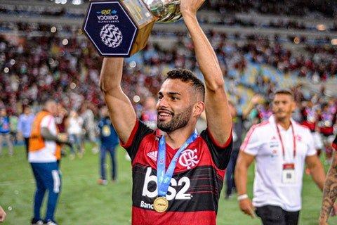 Joga de terno: em grande fase, Thiago Maia quer ficar no Flamengo após empréstimo