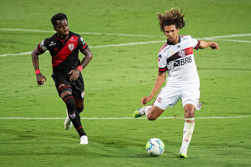 Por lesão e escolha do próprio técnico, o rival desembarca com jogadores a menos para o confronto com o Flamengo no Maraca, pelo Brasileirão
