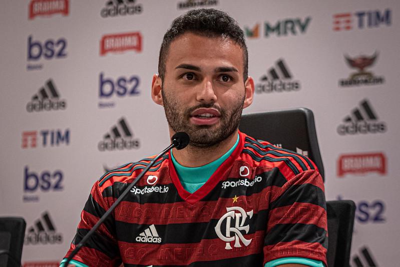 Thiago Maia deve se apresentar ao CT do Flamengo nesta terça-feira, 15, para começar tratamento de recuperação de lesão