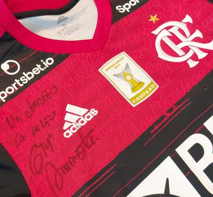 """Iniciativa de Arrascaeta faz parte da campanha """"Play For a Cause"""", que reúne nomes como Neymar, Cristiano Ronaldo e Messi"""