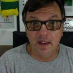 O jornalista Mauro Cezar Pereira faz críticas ao amadorismo do departamento de futebol do Flamengo ao administrar a carreira do atacante