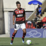 Willian Arão marca contra o Corinthians