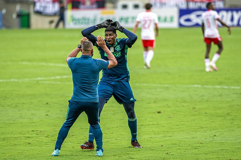 Hugo Souza Flamengo